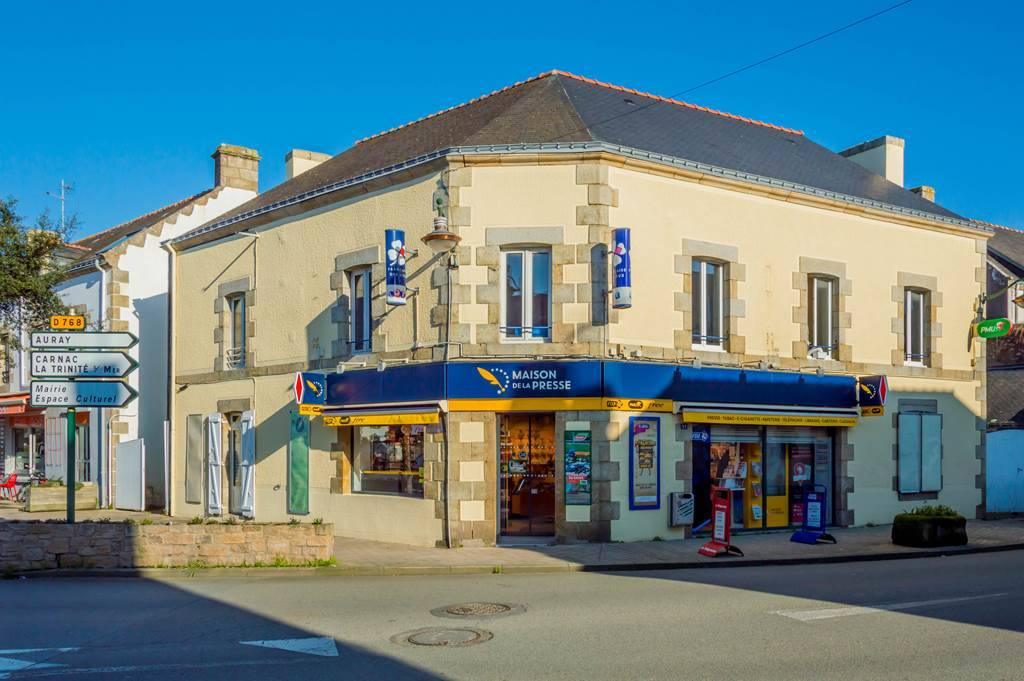 L Oceane Press House Various Diverse Shops And Services A Plouharnel